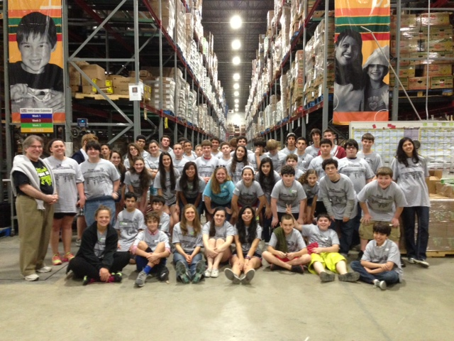 https://asoft148.securesites.net/secure/sanantoniojcc/clientuploads/Blog/Food Bank group JServe 2013.jpg